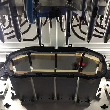 超声波焊头应用于汽车仪表盘铆焊