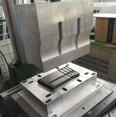 超声波模具应用于枪托焊接